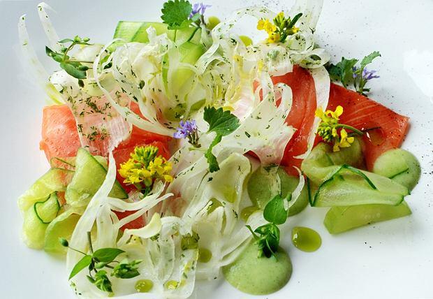 Salade composée à l'herbe de bison