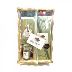 Panier cadeau supérieur regroupant des produits à l'herbe de bison
